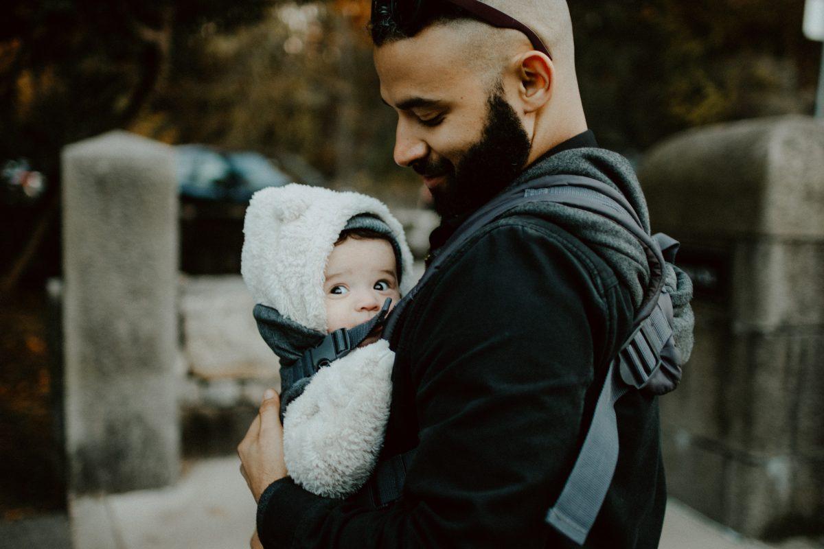 tips sewa gendongan bayi