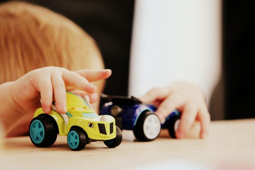 tips sewa mainan edukatif